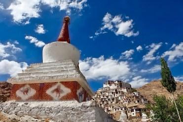Ladakh in moto con Vedett Mototours, Chorten buddista