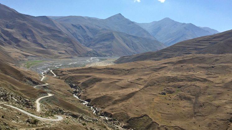 Il Caucaso dell'Azerbaijan, attraverso Turchia e Georgia verso-khinaliq