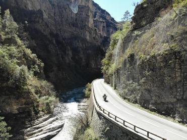 ducati-multistrada-1260-enduro-gorges-cians-drone