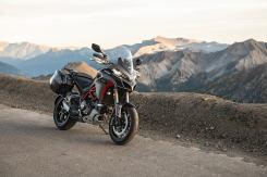 ducati-multistrada-1260-s-grand-tour-my2020-panorama-montagna-02