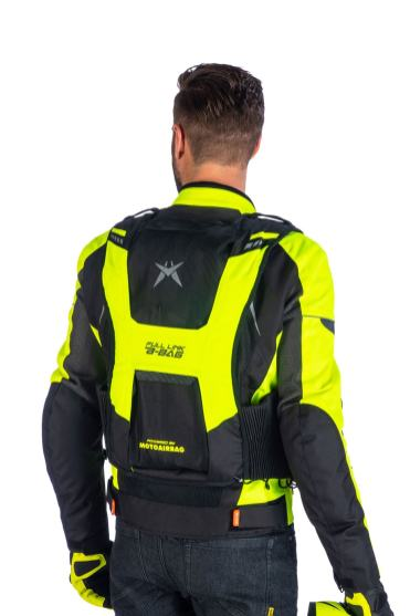 gilet-airbag-a-bag-full-link-alike-indossato-retro