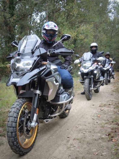 gs-academy-camp-track-2021-Blue-Bike-Camp-offroad-percorso-in-fila