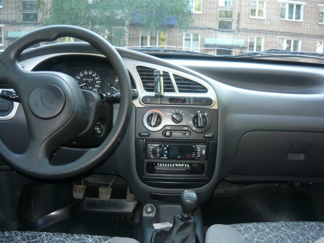 hight resolution of daewoo lanos interior