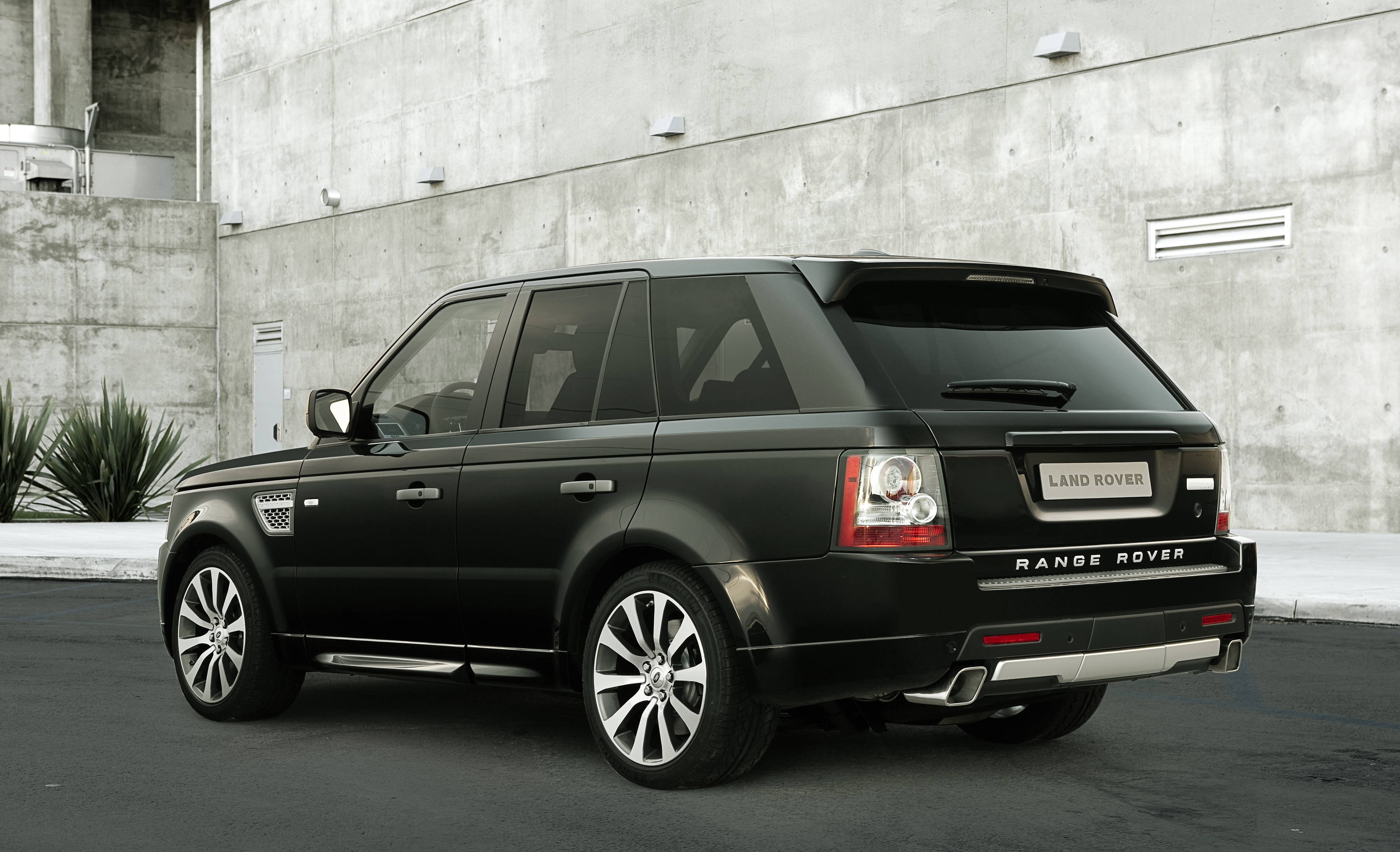 RANGE ROVER SPORT Review and photos