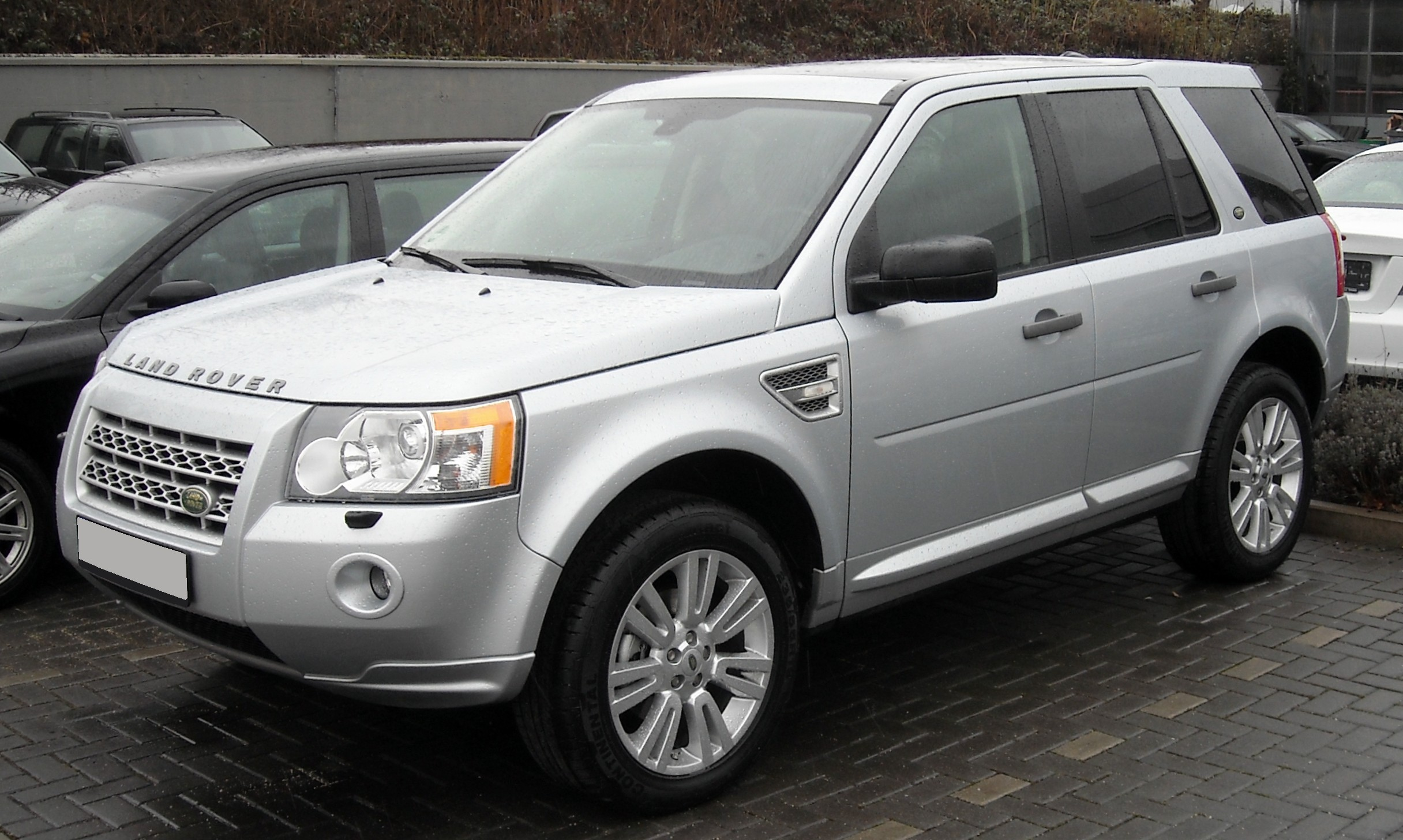 Spy pictures of the Land Rover Freelander from Sweden circulated