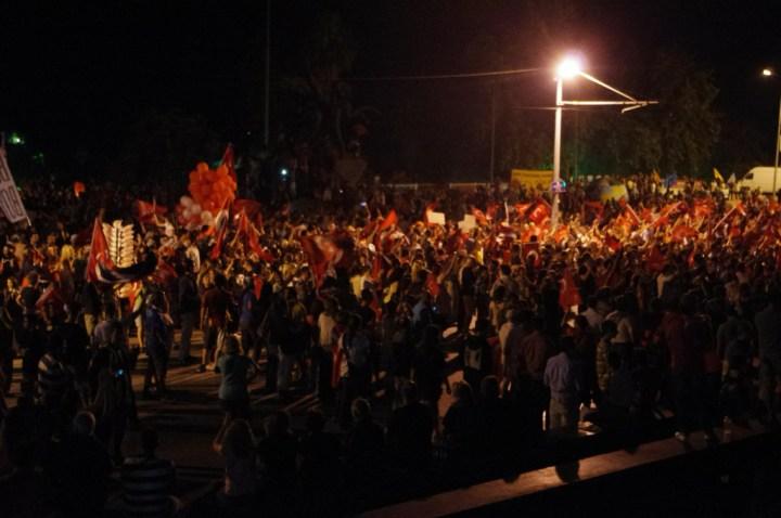 Antalia-Turkey-occupy-Gezy-cheering