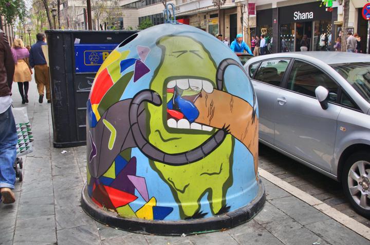 Street-Art-garbage-Seville