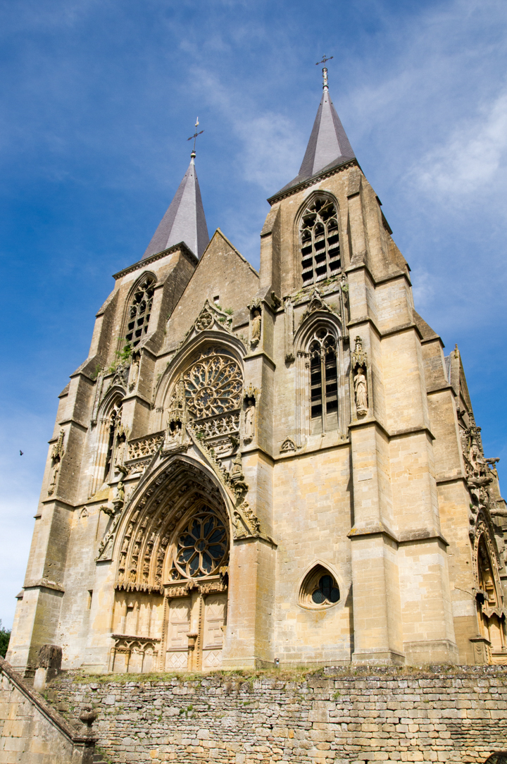 Entrance - Notre Dame d'Avioth - Avioth - France