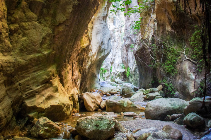 Hikking the Avakas Gorge in Cyprus
