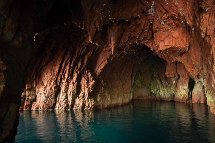 Scandola Nature Reserve in Corsica - Porto Golf grotto