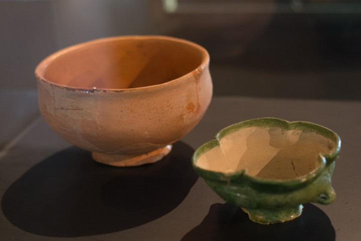 Suscinio - Brittany - France - medieval clay cups