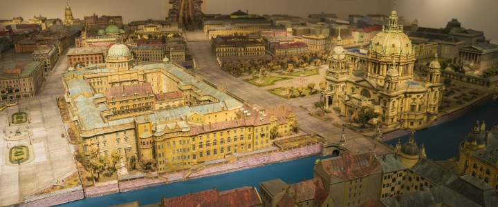 The Berlin City Palace: A must see, crazy & magical project