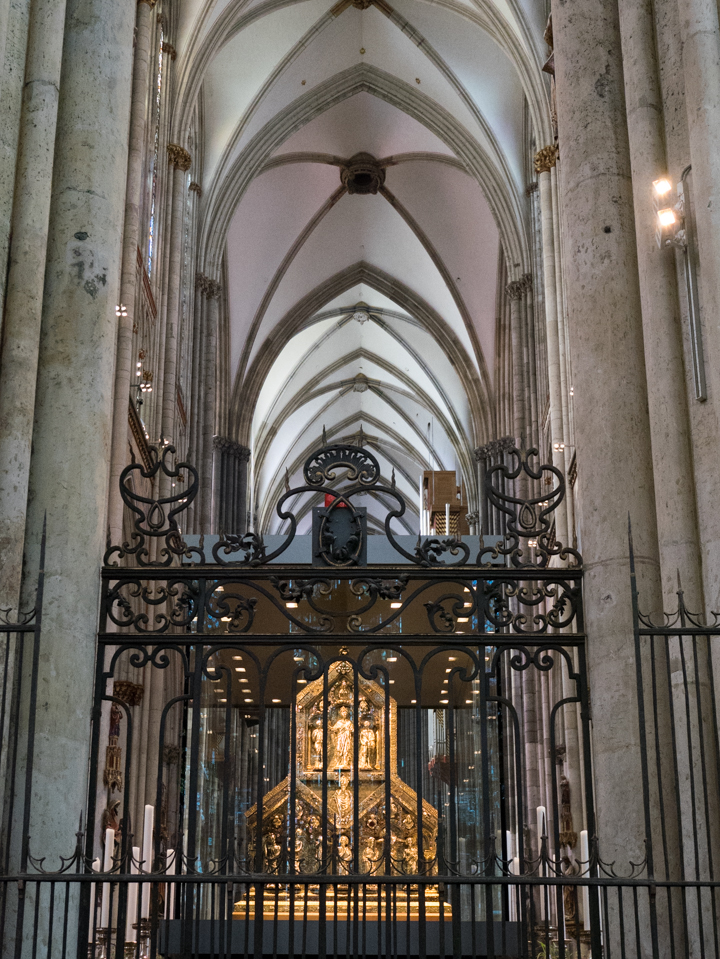 View of the Shrine of the Three Kings, a 13 century large gilded sarcophagus in the Cologne Cathedral - Germany
