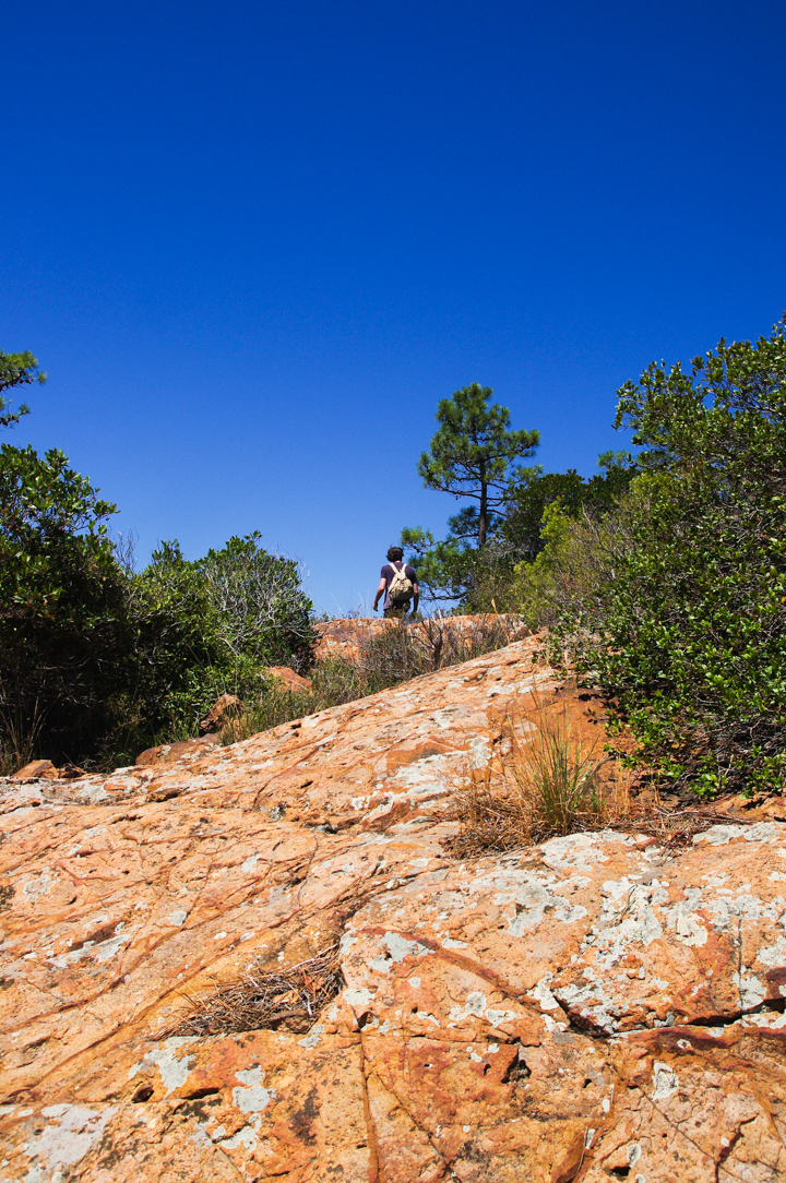 Hiking in the Massif de l'Esterel, France - Learn more on roadtripsaroundtheworld.com