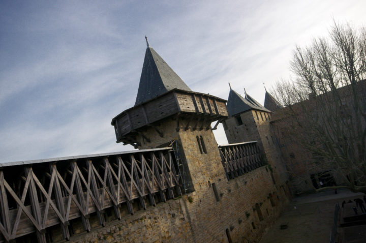 A square tower - Castle of the Counts - Carcassonne - learn more on roadtripsaroundtheworld.com