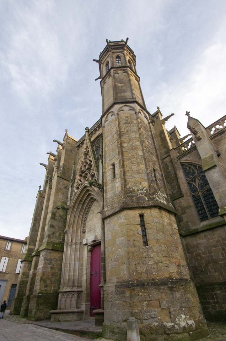 The Entrance of the Saint Nazaire Basilica - Carcassonne - learn more on roadtripsaroundtheworld.com