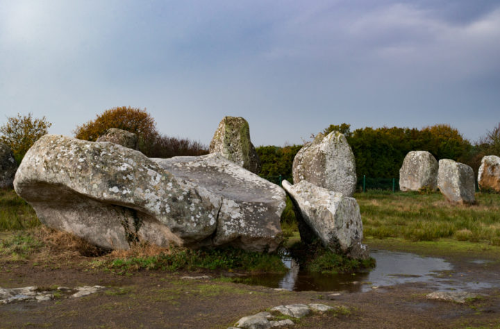 le-menec-carnac-stones-brittany-france-learn-more-on-road-trips-around-the-world