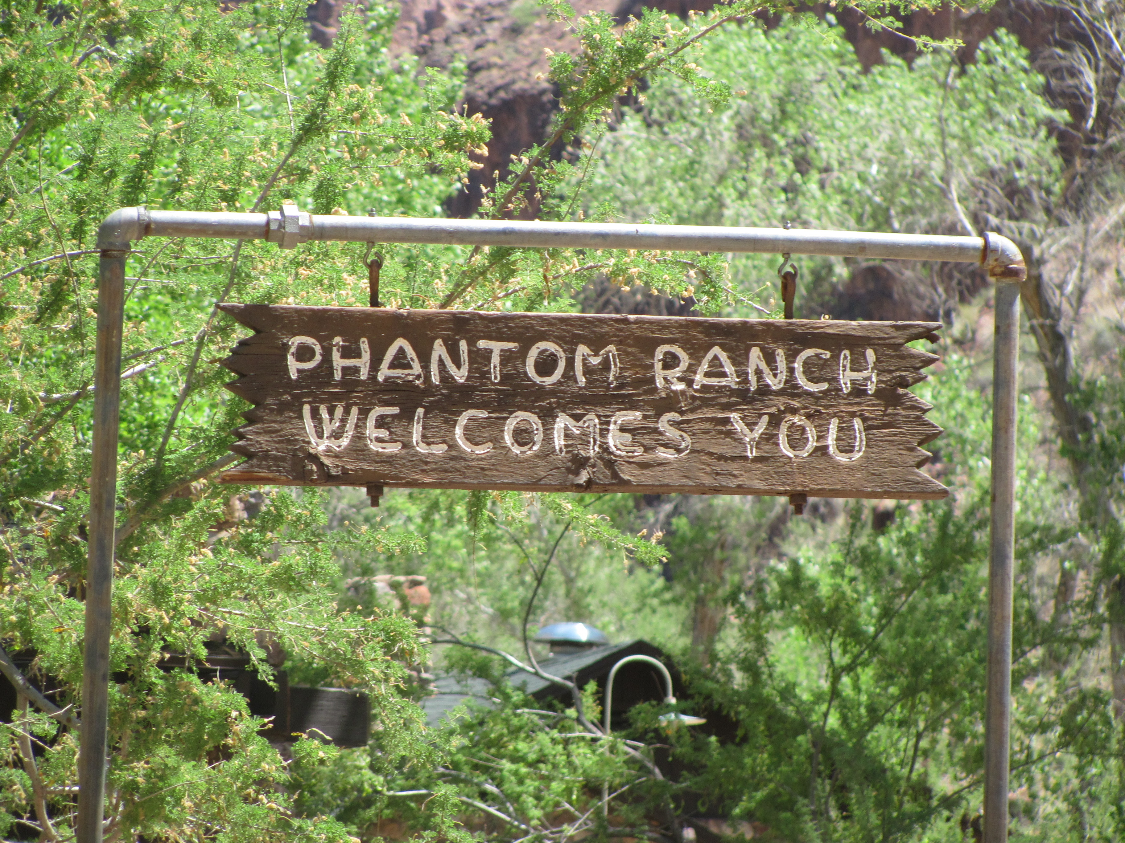 Grand canyon rim to rim with kids relaxing at phantom for Grand ranch