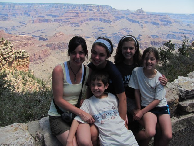 Grand Canyon Rim to Rim with kids: Enjoying Spending a Relaxing Day With the Kids in Grand Canyon National Park