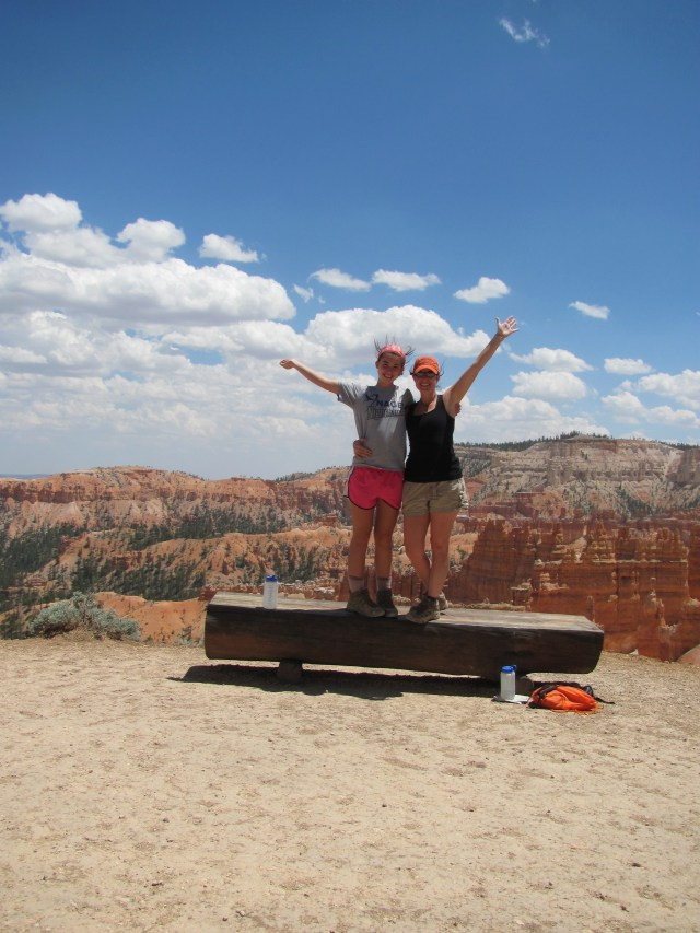 Hiking the Rim Trail in Bryce Canyon National Park