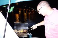 Sim grilling dinner