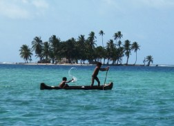 Going out for a paddle, Kuna Yala
