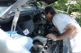 Changing the air filter