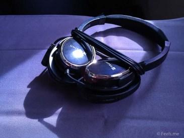 United UA2 SIN SFO: Active Noise Cancelling Headphones