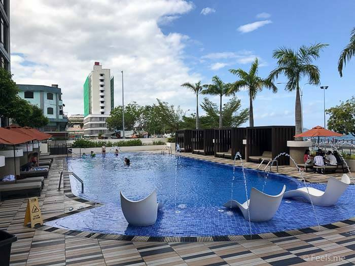 Hyatt Regency Kinabalu, Regency Suite Swimming Pool
