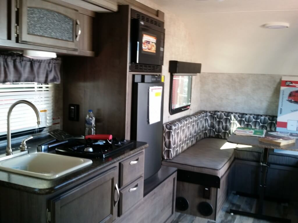 corner cabinet for kitchen blue and yellow curtains new 2017 winnebago industries towables winnie drop 1780 ...