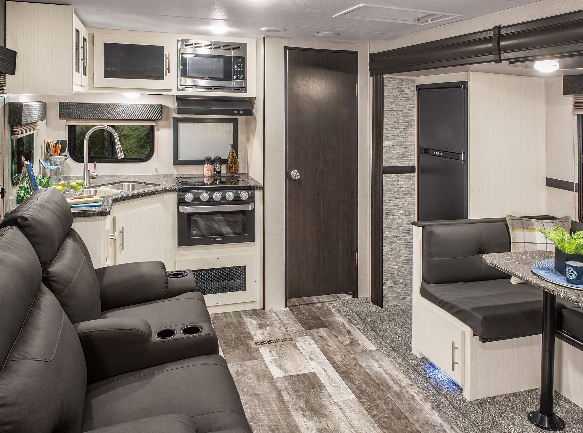 2019 Best In Show RV News Says Its The Venture Stratus