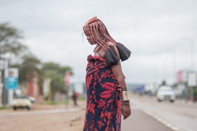 himba_lady_in_town