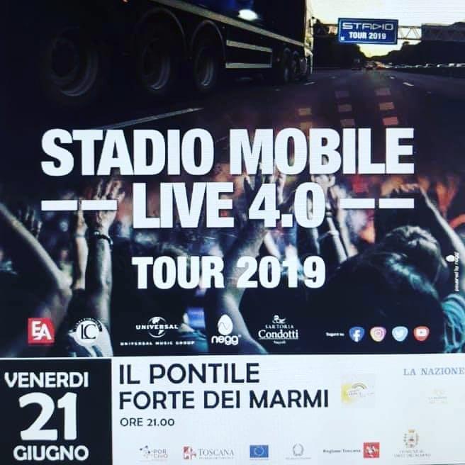 "Presentatrice del concerto degli Stadio in ""Toscana Arcobaleno D'Estate"""