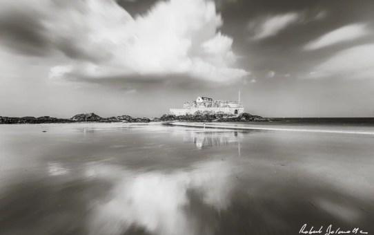 fort-national-saint-malo-noir-et-blanc