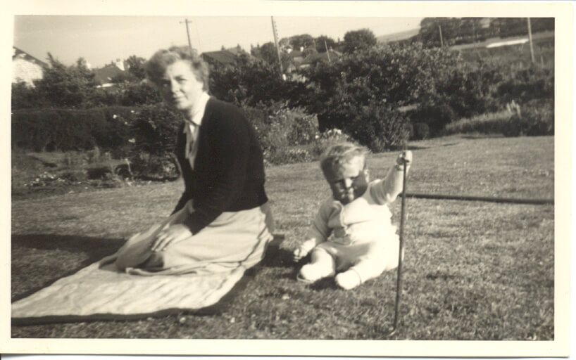 Eve Spence Jolly Farrington with Richard Hill, Taunggyi  Ooyin, Flamborough in May 1953