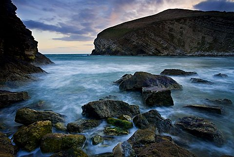 The rocky shores of Pondfield Cove on the Jurassic Coast, UNESCO World Heritage Site, Dorset, England, United Kingdom, Europe
