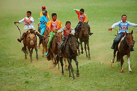 Mongolia, Bulgan province, horse race at the Naadam festival