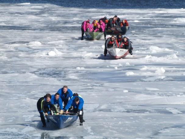 Ice_canoe_racin