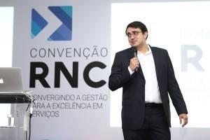 """""""É preciso fazer o negócio girar como empresa e não como escritório"""" - Thiago Vitor da Previsa Contabilidade"""