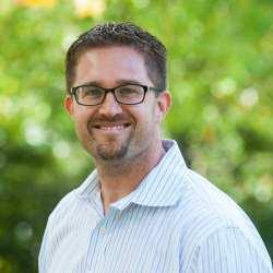 Ian Vacin é vice-presidente de marketing de produtos da Karbon,tem 15 anos de experiência de liderança no setor de contabilidade.