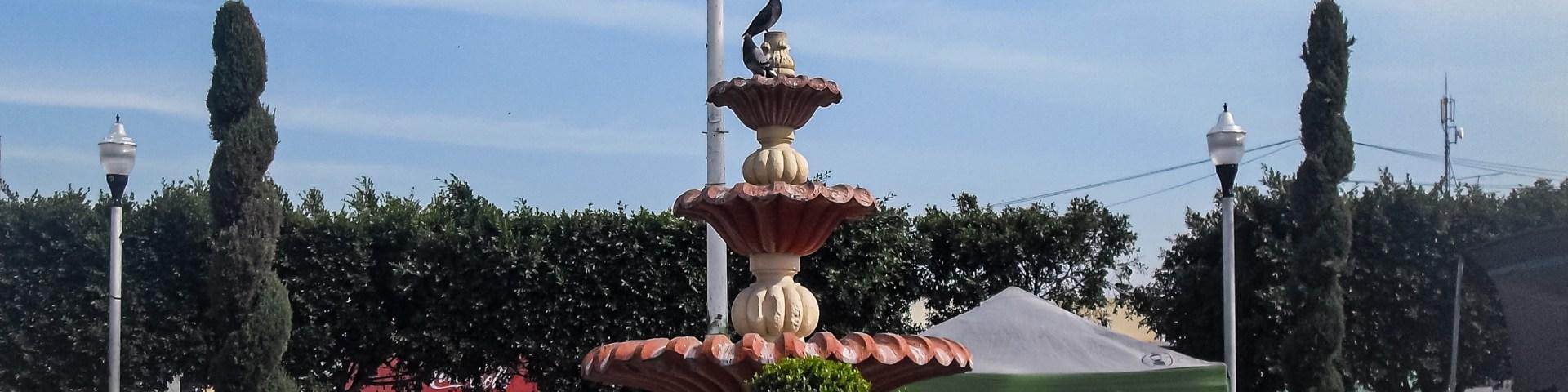 Fuente dentro del jardín municipal de Progreso de Obregón