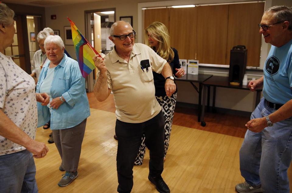 Comunidad LGBT y sexualidad del adulto mayor