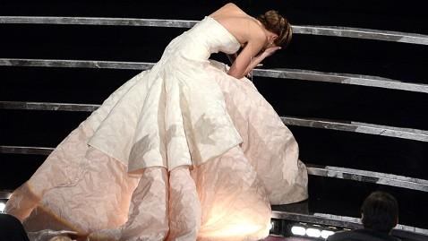 Jennifer Lawrence Fall