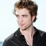 gallery_enlarged-robertpattinson-newmoon-photocall-cannes-05192009-011