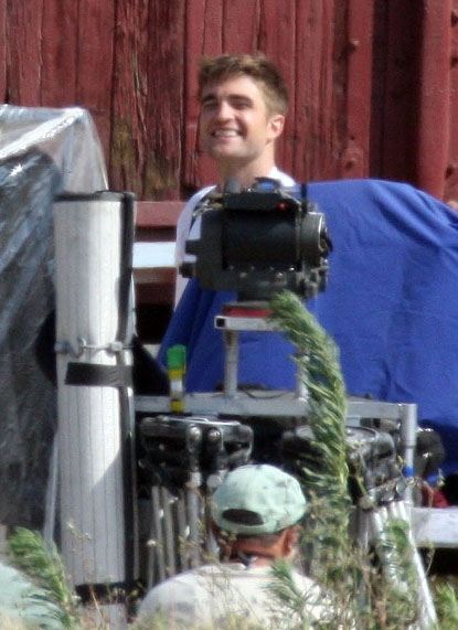 more-smiles-from-the-set-rob-as-jacob
