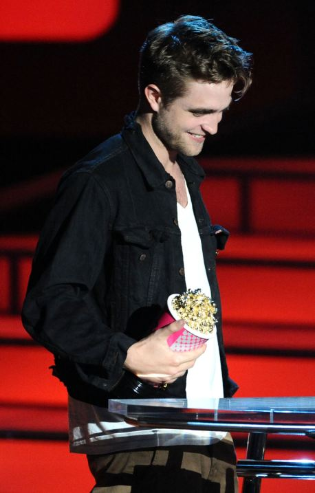 rob-mtv-awards-1