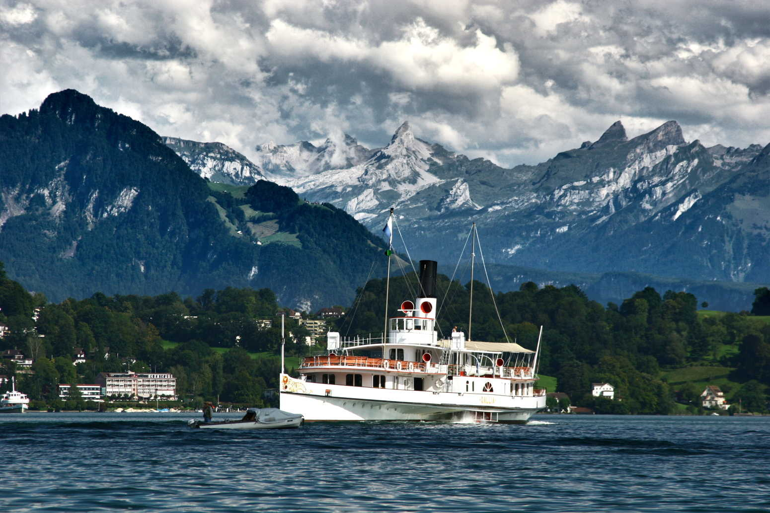 Luzern Lucerne Switzerland Paddle boat lake swiss alps robert peterson photography Compressed