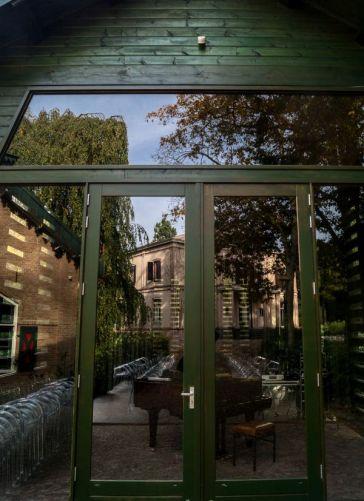 Weerspiegeling villa Landgoed Paltz