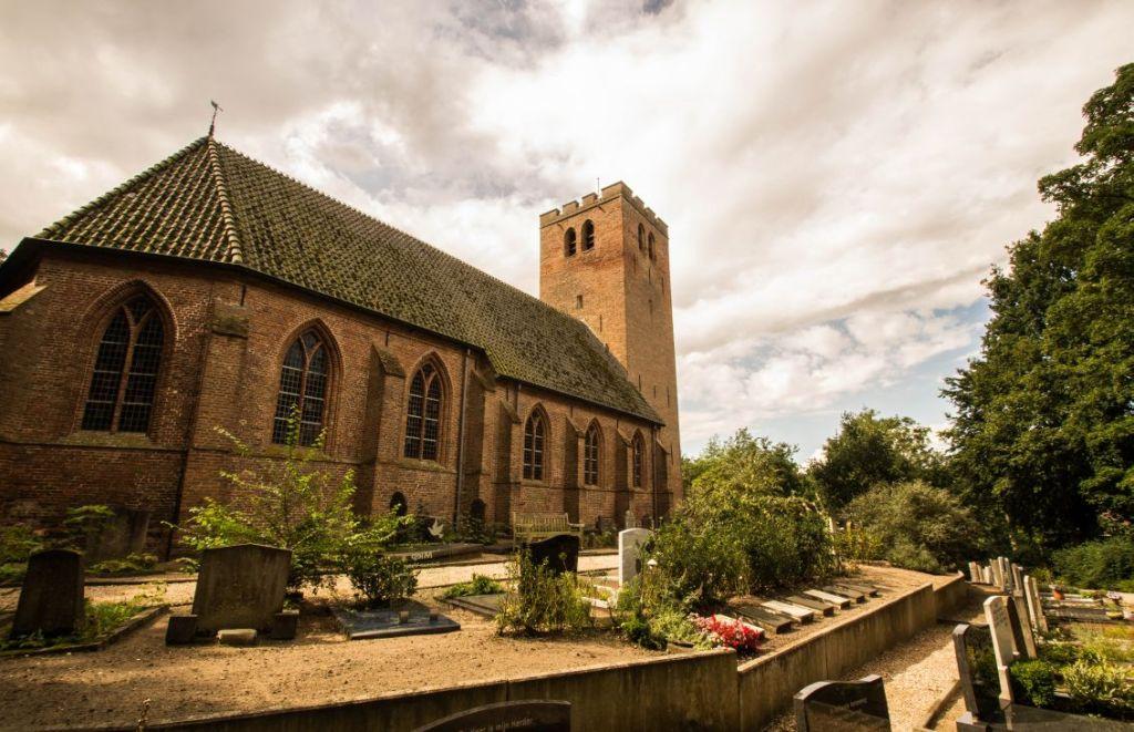 Stompe torens. Kerk aan zee, Muiderberg