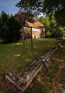 Muren Bonifaciuskerk Nieuw-Schoonebeek. kerk is stuk